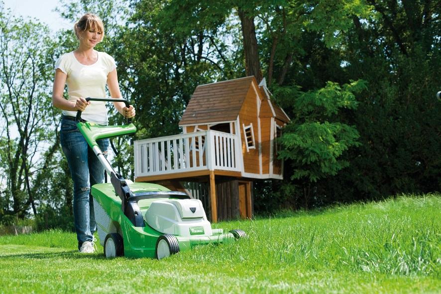 Техника и инструменты для дачи: Как выбрать газонокосилку (бензиновую, электрическую)