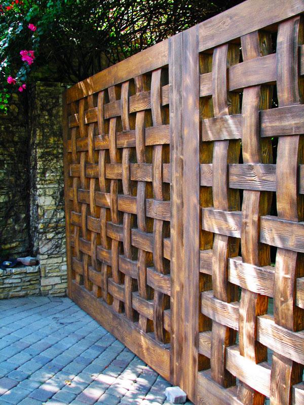 деревянный плетеный забор