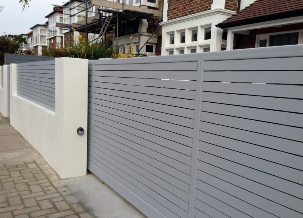 Деревянный забор стильный серый