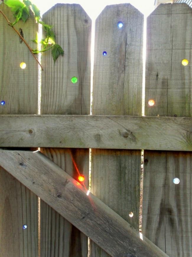 Мозаика в заборе