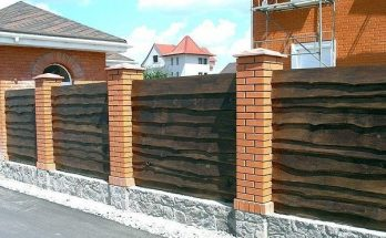 Забор из необрезанной доски