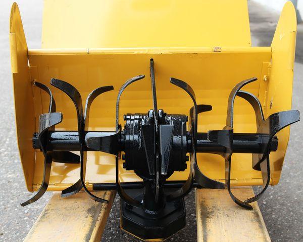 Отличие мотоблока от культиватора - в последнем используется культивационная фреза