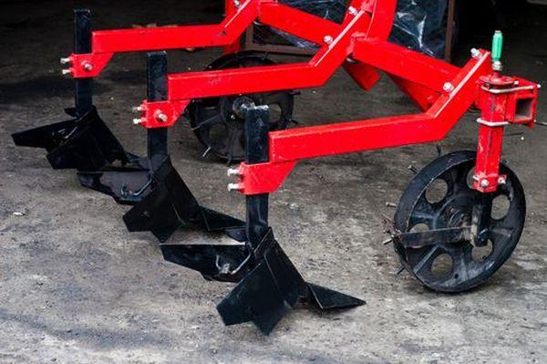 Окучник для трактора Т-25