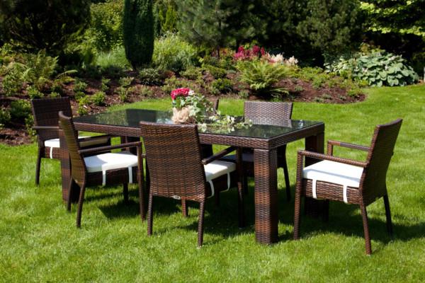 Садовая мебель на открытом воздухе